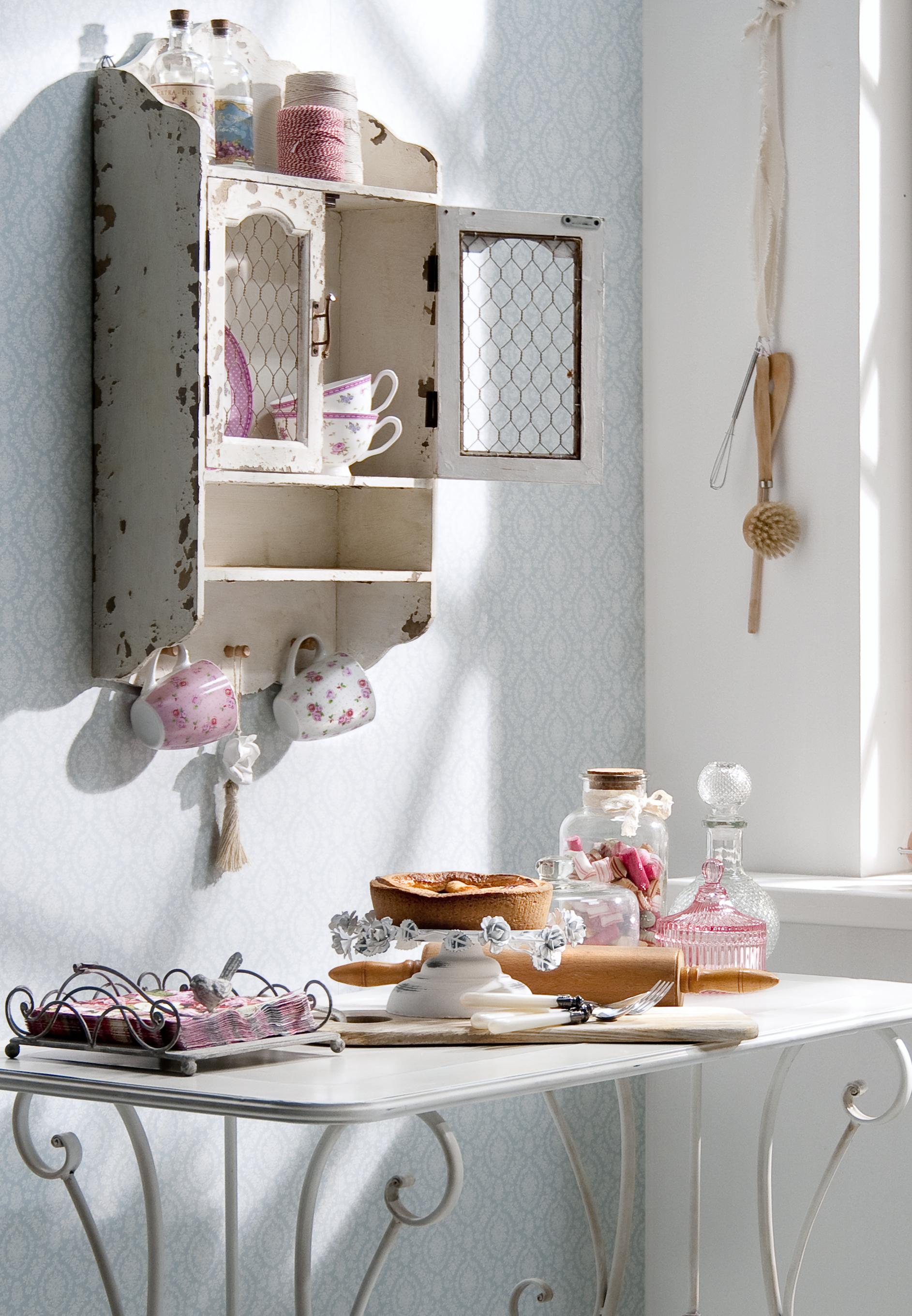 Romantisch wonen; meubels en accessoires in brocante stijl! – Leen ...