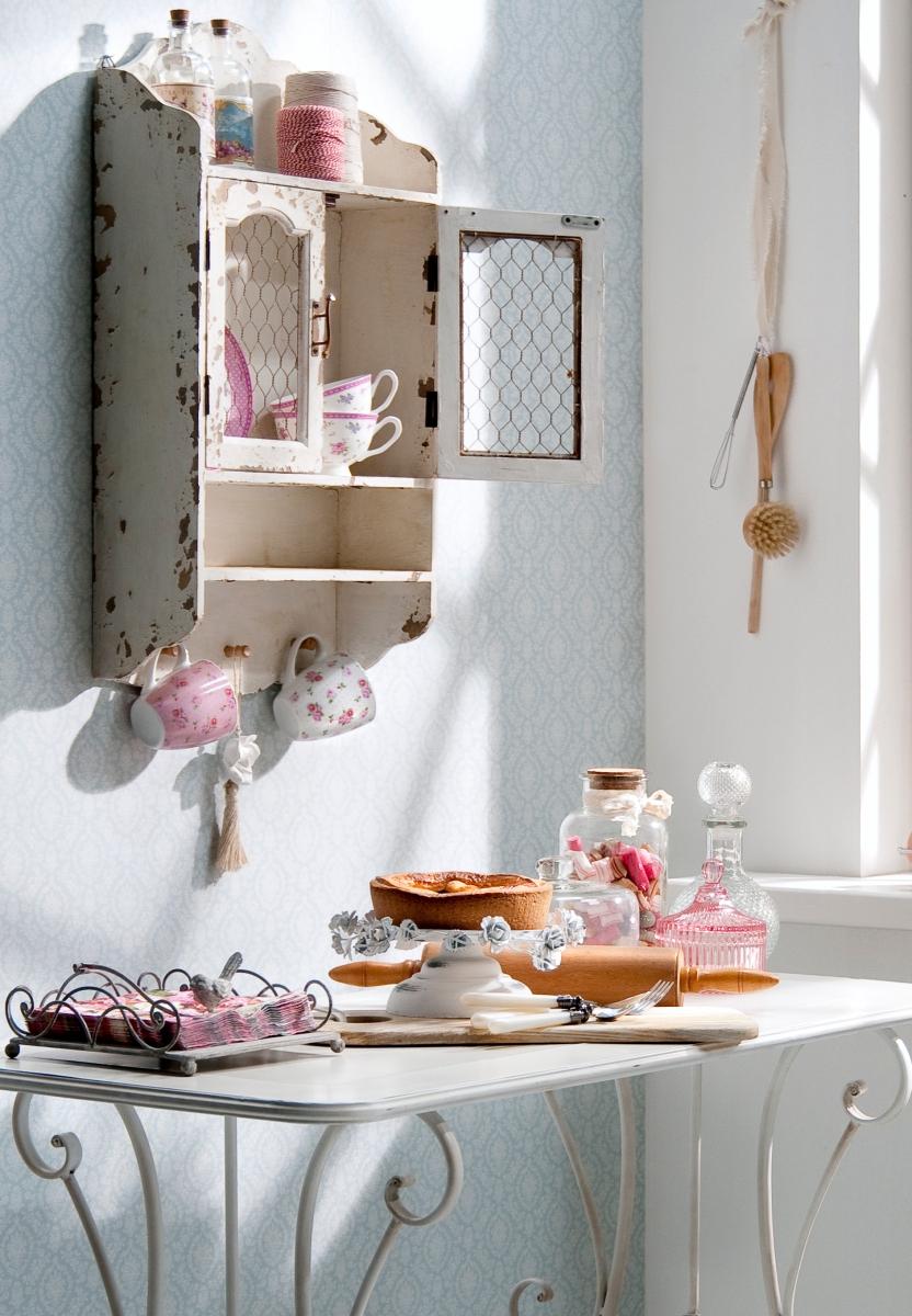 Romantisch wonen meubels en accessoires in brocante stijl for Accessoires woonkamer landelijk